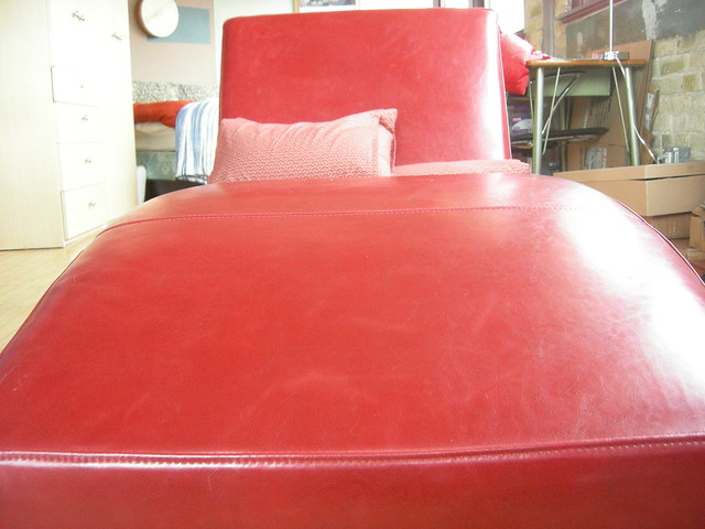 chaise lounge definition meaning