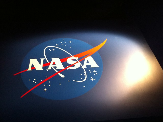moving lights nasa logo - photo #6