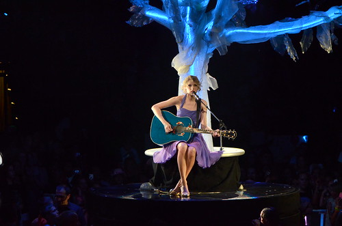 Taylor Swift - Speak Now tour 2011 by dephisticate