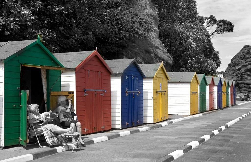 Beach (hut) babes