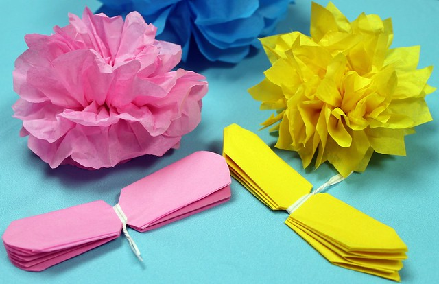 how to make large tissue paper roses