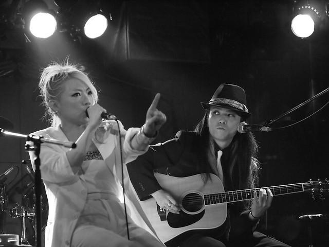 Acoustic BAKUBENI Duo live at Outbreak, Tokyo, 15 Jul 2011. 063
