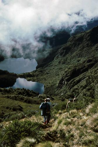 mountain lake film grass clouds 35mm climb highlands mt hiking arnold slide hike scanned png hikers guide kodachrome papuanewguinea 1985 province highest wilhelm chimbu oceania simbu melanesia melanesian aunde keglsugl piunde nuiguini kelsugl pindaundu kegasugl