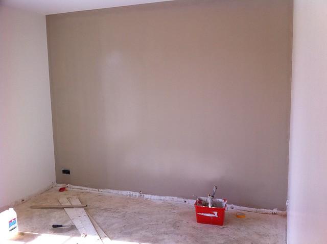 Peinture couleur taupe dans une chambre explore ebouton - Couleur de peinture pour chambre ...