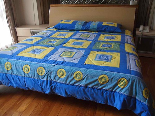 King sized bed ($300) – Reserved