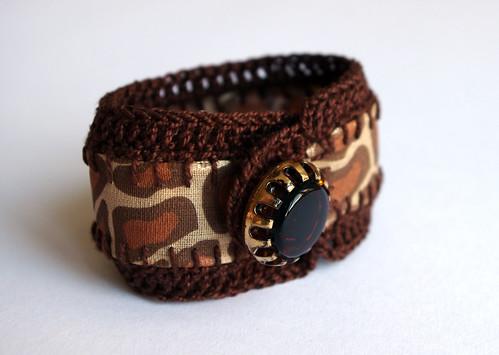 Crochet jewelry bracelet giraffe print