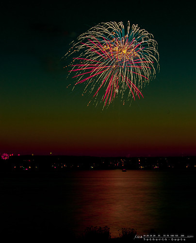 park red lake green canon washington downtown day pacific northwest fireworks aquamarine 4th july firework wa marsh pyro independence kirkland fourth eastside pnw barge pyrotechnics id4 2011 belleuve 98034 98033 yatharth yatharthguptacom id42011
