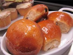 baking, bread, baked goods, food, dish, anpan, dessert, cuisine, brioche,