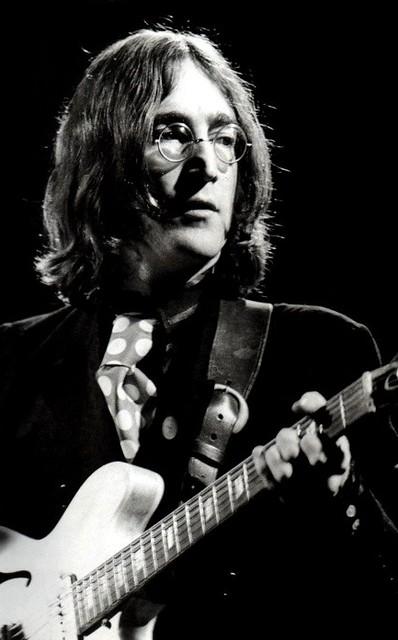 The Beatles - La Historia Detras De «Revolution»
