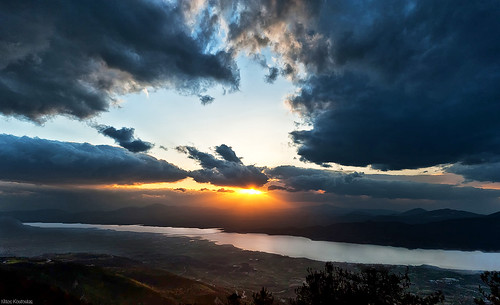 sunset lake clouds greece ηλιοβασίλεμα makedonia σύννεφα servia λίμνη kozani γέφυρα velvento κοζάνη μακεδονία velventos βελβεντό dytiki δυτική σέρβια πολυφύτου βελβεντόσ