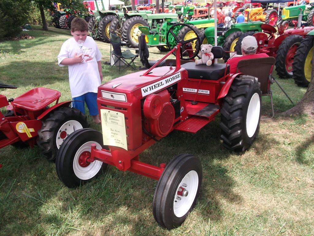 Custom Racing Tractors : Wheel horse hi a photo on flickriver