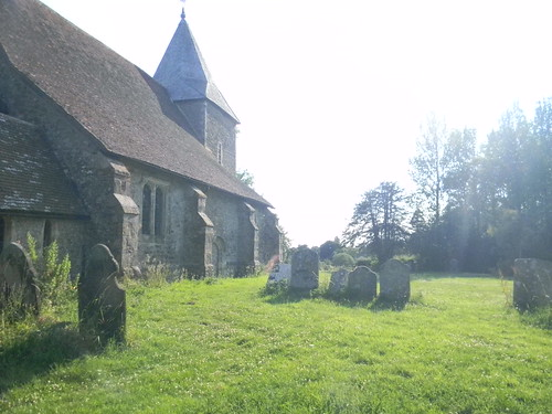 Peasmarsh churchyard