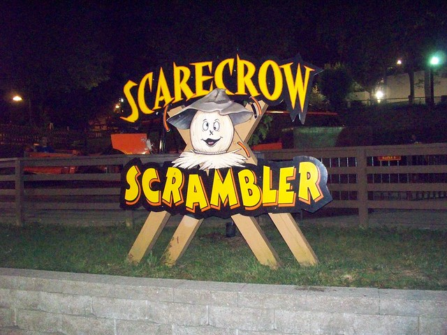 Holiday World - Scarecrow Scrambler Sign