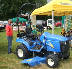 New Holland TZ24D compact tractor (2011)