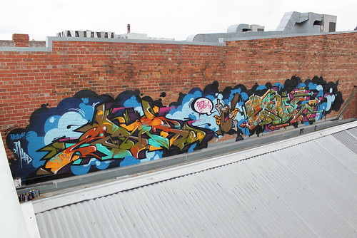 SIRUM and ZODE | Captain Caveman! - Melbourne, Australia 2011.