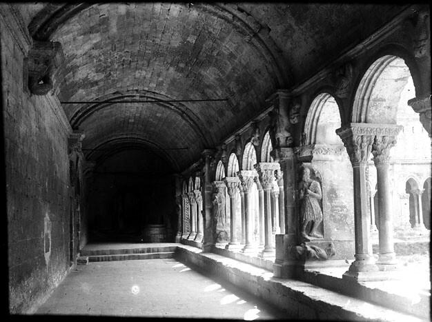 Cloître de Saint-Trophime, détails, Arles