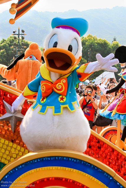 HKDL July 2011 - Flights of Fantasy Parade
