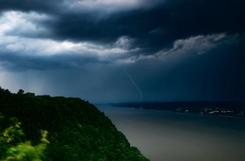 cloud storm reflection rain geotagged tormenta hudsonriver gothamist rayo dobbsferry thunder hdr nube westchester tarrytown hastingsonhudson ightning mudpig stevekelley stevenkelley