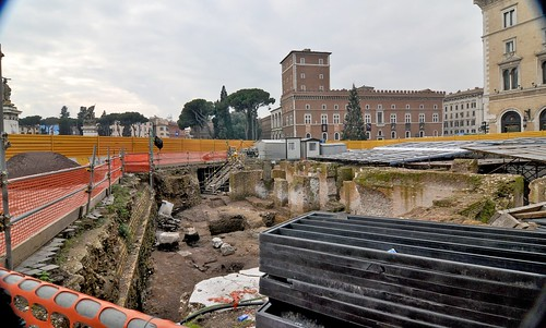 Rome: the Metro C Archaeological Surveys: Piazza Madonna di Loreto, # (S14/B1).  The Discovery of the New Trajanic Inscription & other Architectural Elements of the Atheneaum of Hadrian? Photo's by: Gianni De Dominicis - January 2 & 17, 2011.
