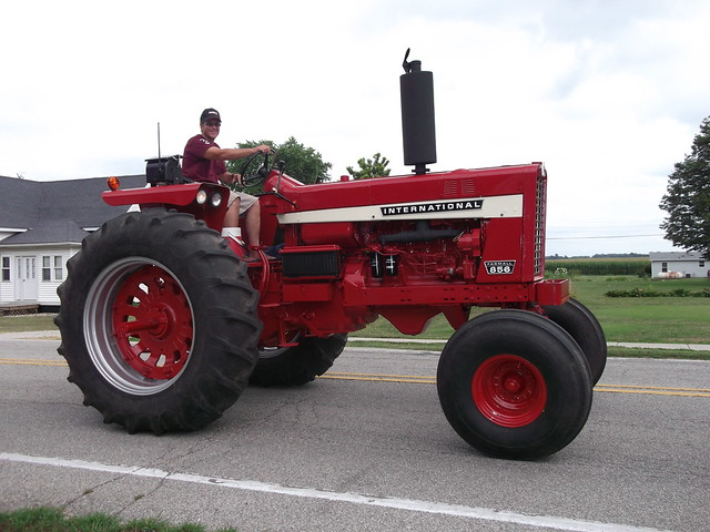 Ih 856 Tractor : Farmall flickr photo sharing