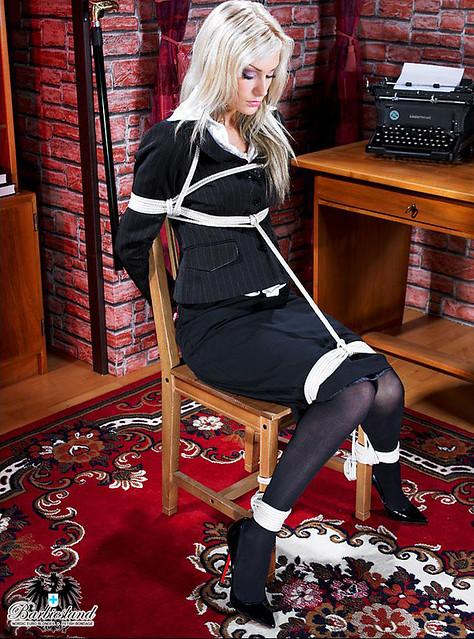 Blonde Tied 118