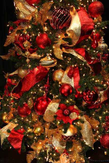 Red and gold christmas tree decorations flickr photo for Red and gold christmas decoration ideas