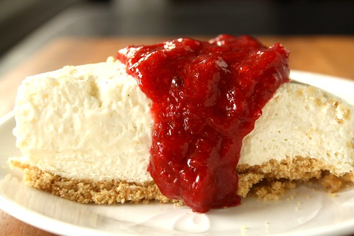No-Bake Low-Fat Strawberry-Rhubarb Cheesecake