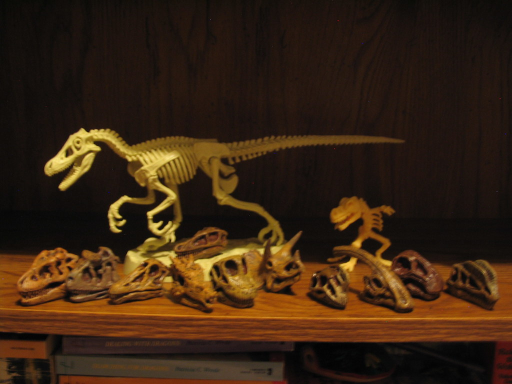 Dinosaurs Mdf Toy Box Childrens Storage Toys Games Books: HOT WHEELS DINOSAUR GAMES. HOT WHEELS