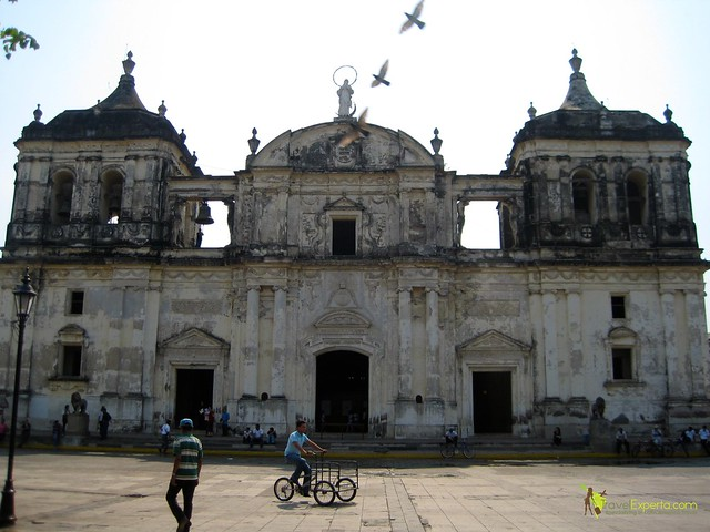 leon-nicaragua-cathedral-largest-in-central-america