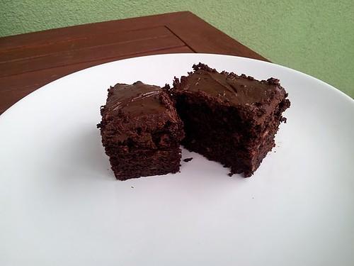 čokoládovo-banánový dort s ganache polevou