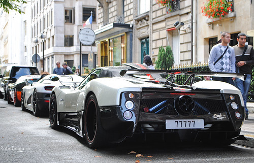 Pagani Zonda Cinque Roadster & Friends [On Explore !]