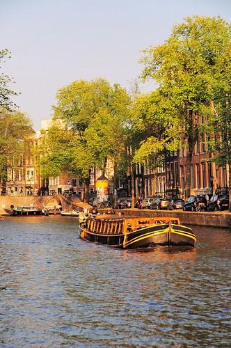 street travel sunset holland water netherlands amsterdam boat canal snapshot boating streetshot 随拍 荷兰 0122 阿姆斯特丹