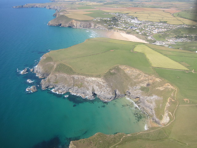 My current desktop: Mawgan Porth from the plane
