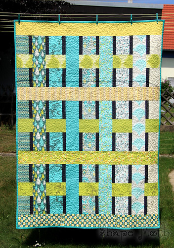 'Weaving the strands' quilt finished (3)