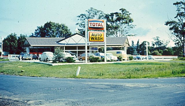 total service station auto wash wyoming nsw circa 1980s flickr photo sharing. Black Bedroom Furniture Sets. Home Design Ideas