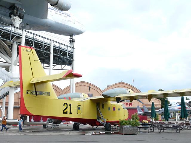 Sécurité Civile Canadair CL-215