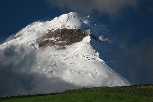 volcano ecuador cotopaxi