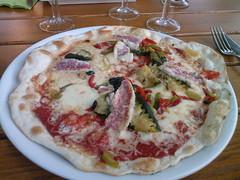 sicilian pizza(0.0), pepperoni(0.0), meal(1.0), italian food(1.0), tarte flambã©e(1.0), pizza cheese(1.0), pizza(1.0), food(1.0), dish(1.0), european food(1.0), cuisine(1.0),