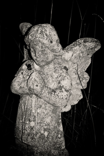 bw cemetery grave graveyard statue angel georgia graves gravestones lagrange troupcounty thesussman hillviewcemetery sonyalphadslra200 shadowlawncemetery
