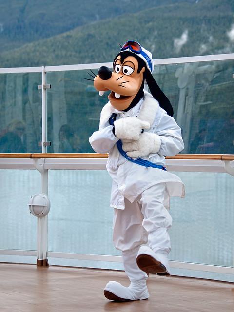 Goofy in Snow Gear