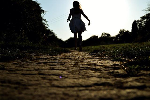 Baby run, cut a path across the blue sky