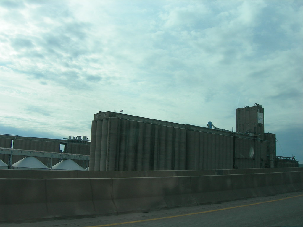 Superior Wisconsin Grain Silos | US Hwy 53 heading into Dulu