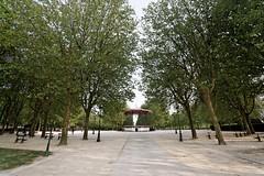 PARC DES CHAMPS ELYSEES SAINT-QUENTIN ,Le parc des Champs Elysées est situé sur l'emplacement des anciennes fortifications de la ville