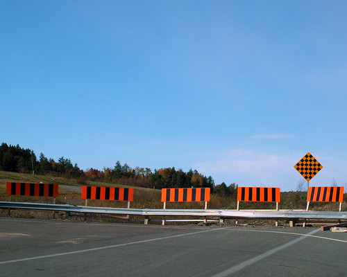 road signs canada nb 100views barrier endoftheline ©allrightsreserved nbphoto
