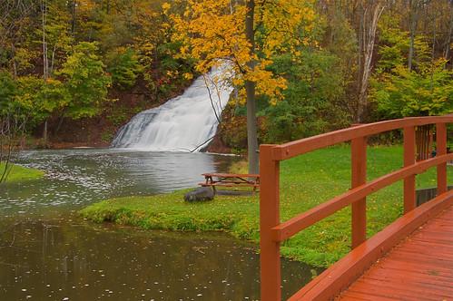 bridge waterfall sideview holleyny holleycanalfalls