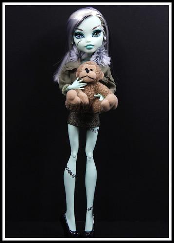111411 Frankie by DollsinDystopia
