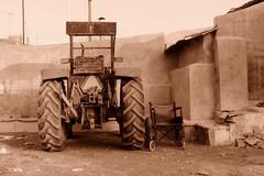 el tractor  y la silla