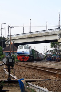 """ CC 203 27 with Senja Kediri entering MLK """