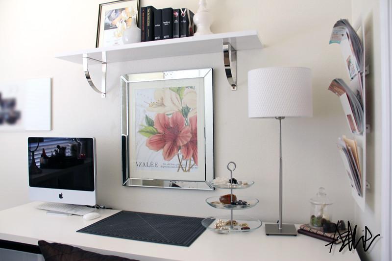 White fice Desk