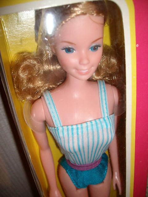 barbie standard beach 1982